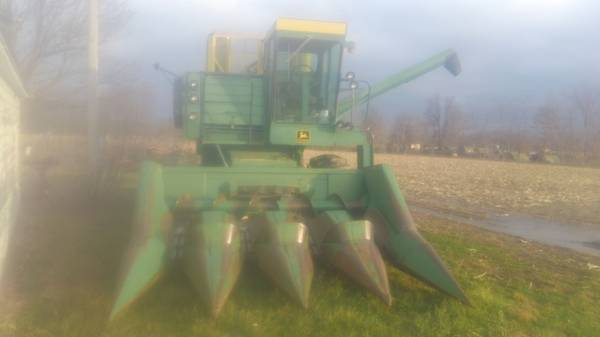 Photo John Deer 4400 - $3,800 (Willow Hill)