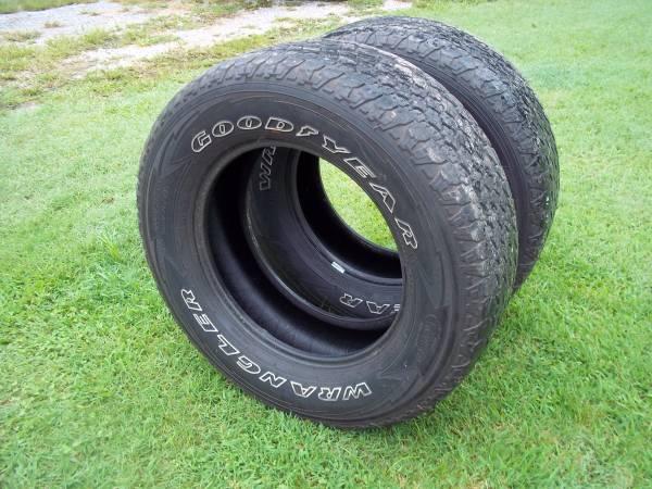 Photo LT27565R18 Goodyear Wrangler Adventure AT Kevlar Tires - $100 (Effingham)