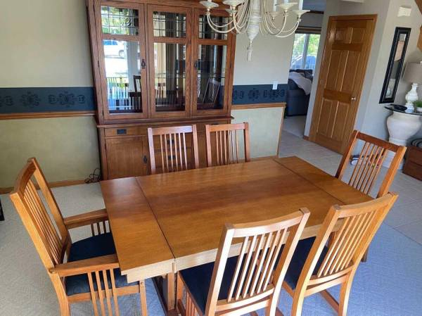 Photo Mission Style Dining Table  6 Chairs - $700 (Chaign)