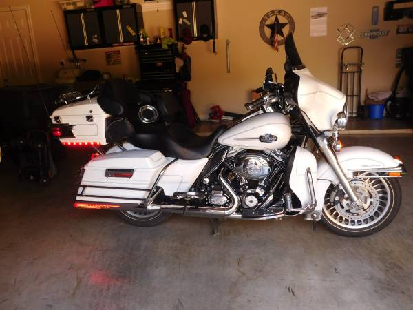 Photo 2012 Harley Davidson Ultra Classic - $10,000 (Garden Ridge Texas)