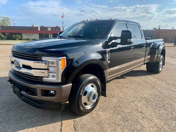 Photo 2017 Ford F350 Dually Diesel 4x4 King Ranch - $63,500 (Denison)