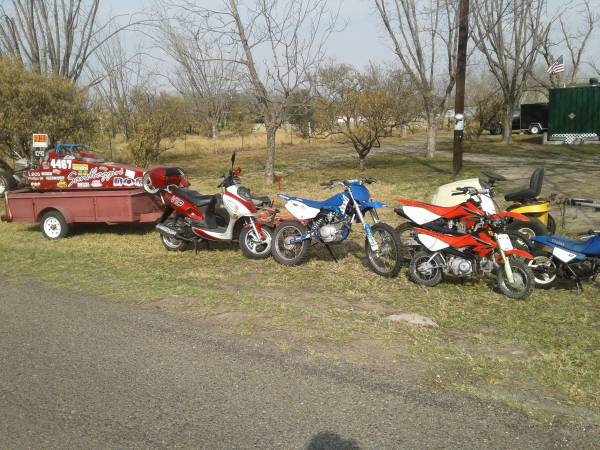 Photo Bikes , BIG , and small ... dirt bikes , scooter , drag car ... (Mission)