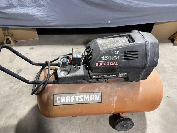 Photo Craftsman Air Compressor - $50 (Weslaco)