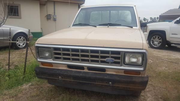 Photo Ford Ranger 1984 - $800