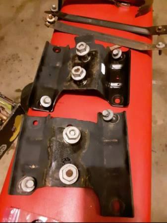 Photo Ford f150 Brackets de defensa frontal y. tornillos defensa frontal - $35 (Mcallen tx)