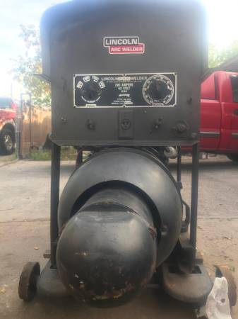 Photo Lincoln SA 200 Shorthood Welder - $5500 (Pharr, TX)