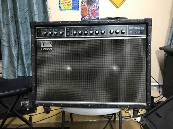 Photo Roland JC-120 Transistor Amp - $500 (San Juan)