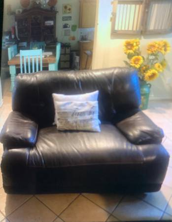 Photo Used Brown Leather Double Wide Power Recliner - $595 (Sharyland)