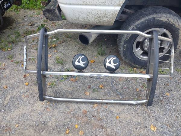 Photo 08 - 16 Ford F-250, 350, 450, 550 brush guard with KC lights $100 o.b.o - $100 (Greenville)