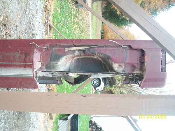 Photo 1988 to 1997 Southern Ford F350 Dually Bed - $900 (Greenville)