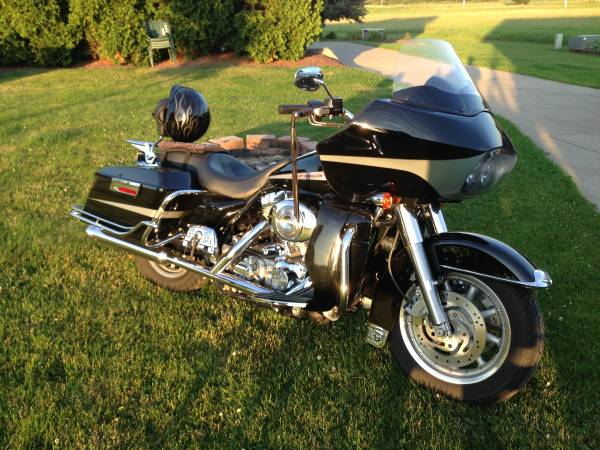 Photo 2004 Harley Road Glide - $8,000 (Canfield)