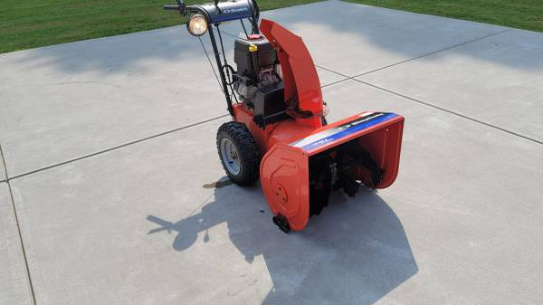 Photo 2005 - 2006 9HP 24 Simplicity Snow Blower - $875 (Hadley, Mercer County, Pa)