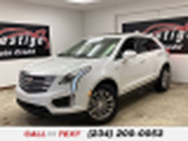 Photo 2017 Cadillac XT5 Luxury FWD - $24,952 (1501 Vernon Odom Blvd Akron, OH 44320)