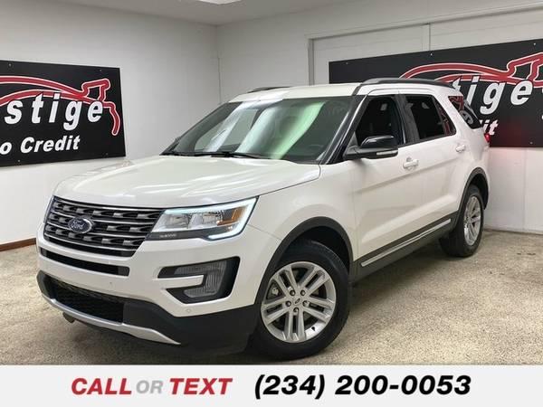 Photo 2017 Ford Explorer XLT - $24,473 (1501 Vernon Odom Blvd Akron, OH 44320)