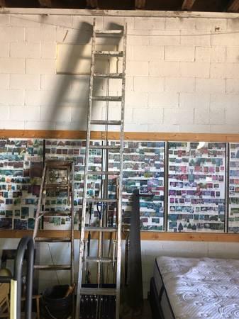 Photo 24 foot Aluminum Extension Ladder - $75 (Transfer)