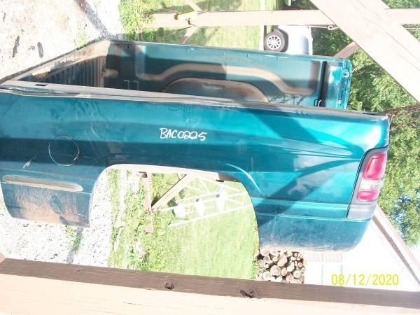 Photo 2nd Gen Dodge Ram Short Truck Bed 94 to 2002 - $700 (Greenville)