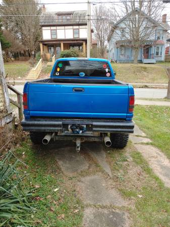 Photo 99 dodge ram 1500 lifted - $3500 (Meadville)