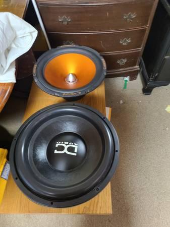 Photo Car audio..sundown..jl audio.lifier..Memphis - $800 (Kirtland)