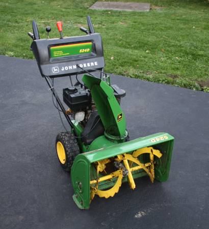 Photo John Deere 524D Snowblower  24quot Cut with Electric and Pull Start - $500 (Meadville, PA)