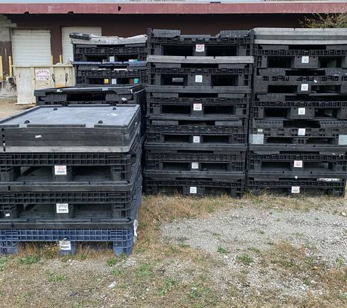 Photo Plastic Pallet Storage Shipping Containers (Cleveland, Oh)