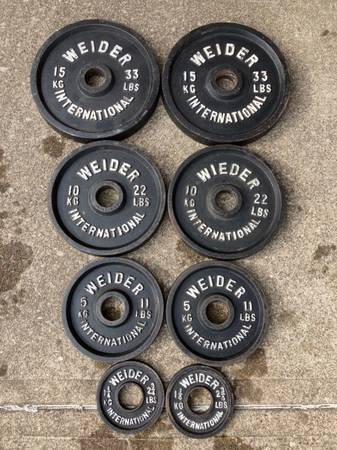 Photo Vintage Olympic weight plates 137.5 lb set weights plate lbs 33 22 11 - $250 (Cleveland)