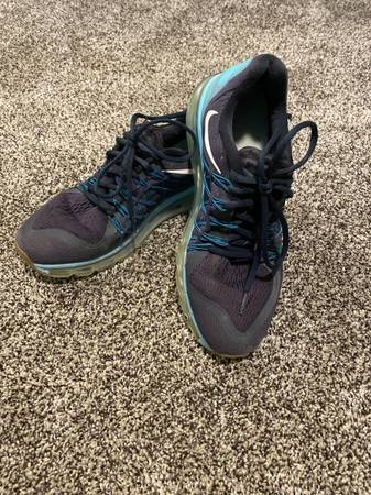 Photo Womens Nike Air Max sneakers size 9.5 - $10 (Willowick)