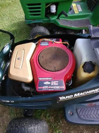 Photo Yard machine and John Deere - $400 (Union city)
