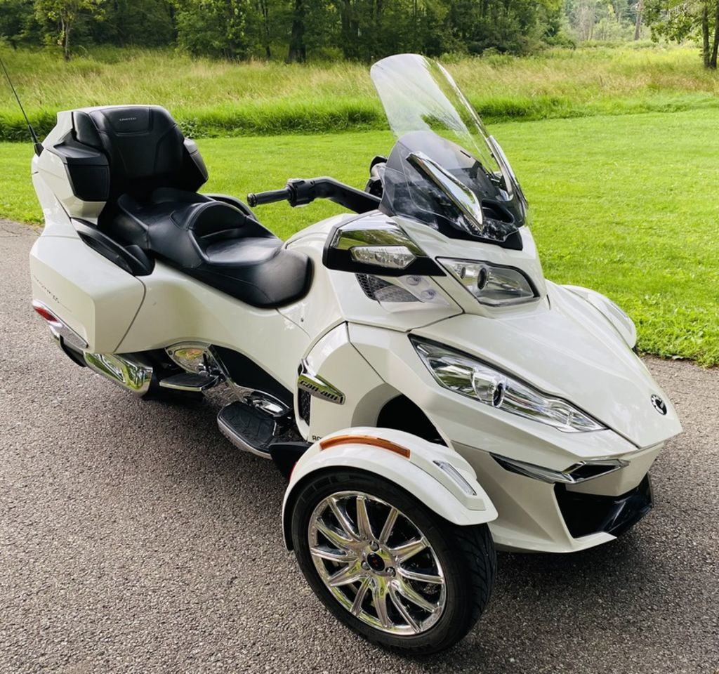 Photo Used 2016 Can-Am Trike Motorcycle  $22495