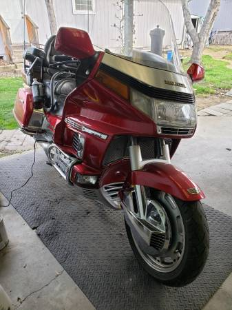 Photo 1993 honda goldwing aspencade 1500 - $3500 (Medford)