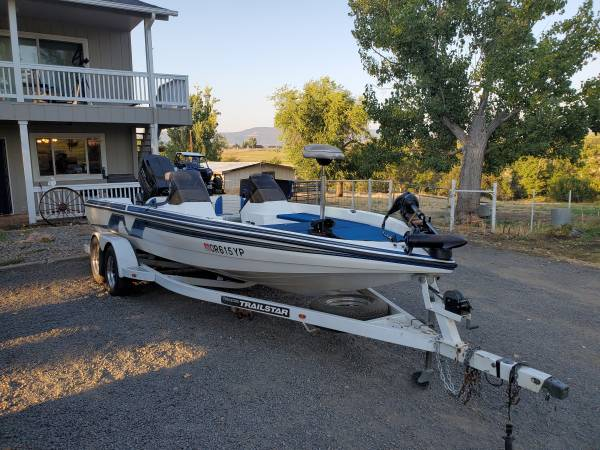 Photo 1995 2139 nitro bass boat - $10,000 (Eagle point)