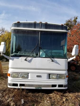 Photo 1998 Blue Bird Charter Bus - Ready to Convert - $11999 (Eagle Point)