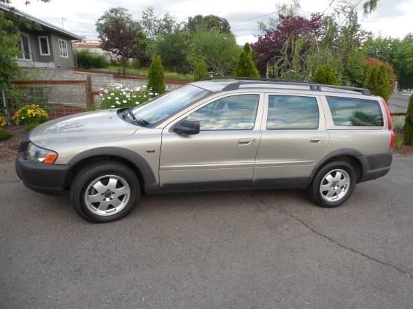 Photo 2001 Volvo v70 xc AWD - $2000 (Medford)