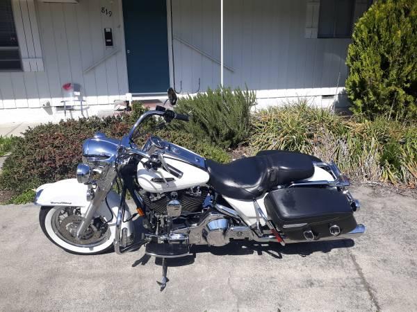 Photo 2004 Harley Road King Classic - $8,000 (Medford)