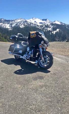 Photo 2015 Harley-Davidson Electra Glide - $22,500 (Medford, OR)