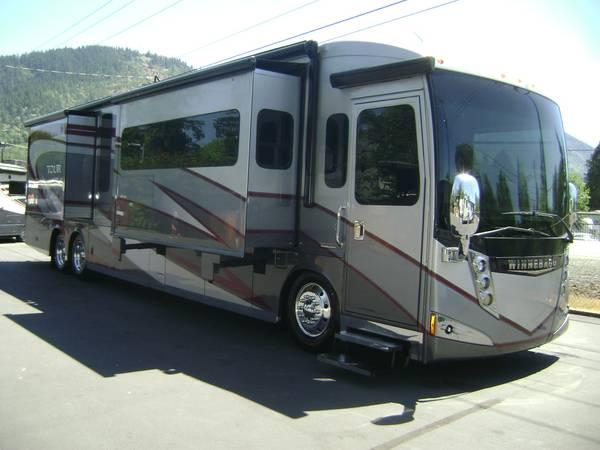 Photo 2015 Winnebago Tour 42HD Class A DIESEL Motorhome  4239 - $189,900 (Jim Clark39s Consignment Country)