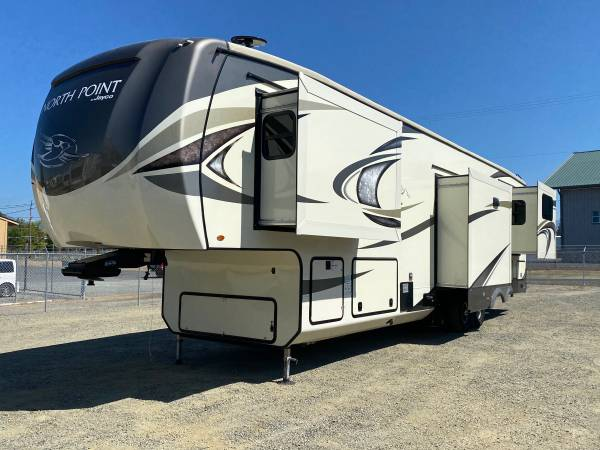 Photo 2018 Jayco NORTH POINT 387RDFS St22372 - $64,888 (RIVER CITY RV - GRANTS PASS)