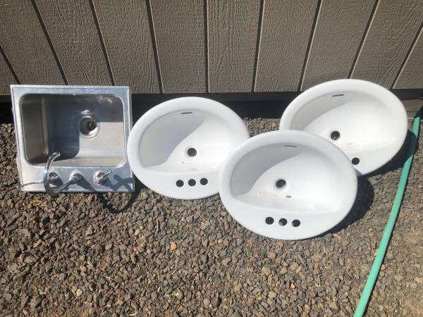 Photo 3 Bathroom Sinks and 1 utility sink - $15 (Sams Valley area)