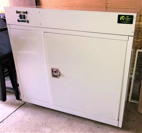 Photo BC Northern Lights Bloom Box All-in-one Grow Box - $1,500 (Medford)