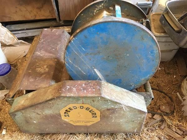 Photo Large Antique Rock  Stone Tumbler, polisher Speed-De-Burr - $250 (Ashland, OR)