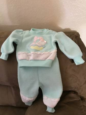 Photo Little Girl Outfit - $3 (Medford)