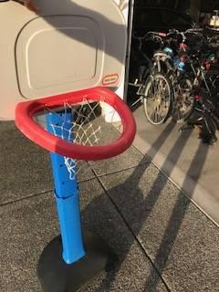 Photo Little Tikes Basketball hoop (East Medford)