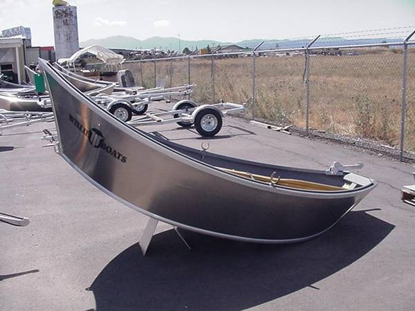 Photo Looking to Buy a Willie 1239 or 1439 Drift Boat (Medford, OR)