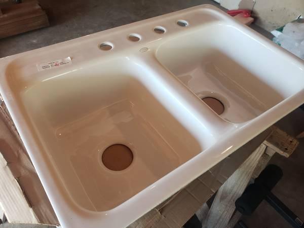 Photo New Kohler Delafield 32x21quot Double Basin Cast-Iron Kitchen Sink - $200 (Grants Pass)