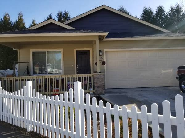 Photo Room for rent (Rogue River)