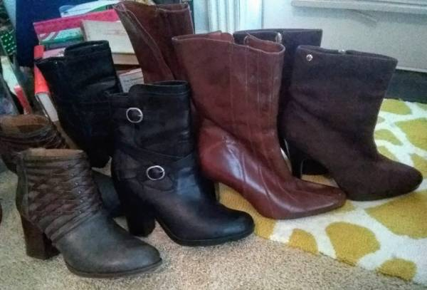 Photo Shoes, boots, shoes Lot of 17 has got to go - $85 (Eagle Point or Medford)