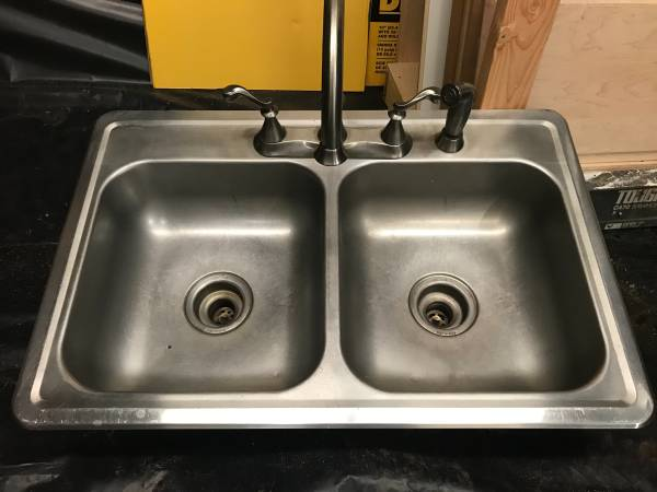 Photo Stainless steel Kitchen Sink with Faucet - $65 (OBrien)