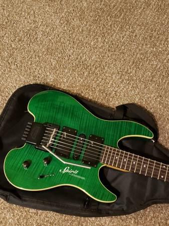 Photo Steinberger Spirit GU-7R Guitar Beautiful Green Flame Top - $750 (Grants Pass)