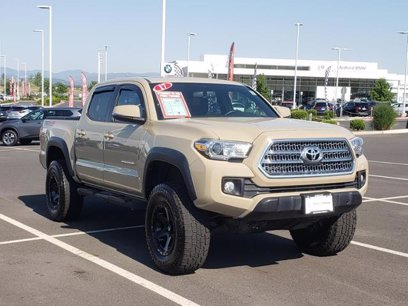 Photo Used 2017 Toyota Tacoma w TRD Off-Road Package for sale