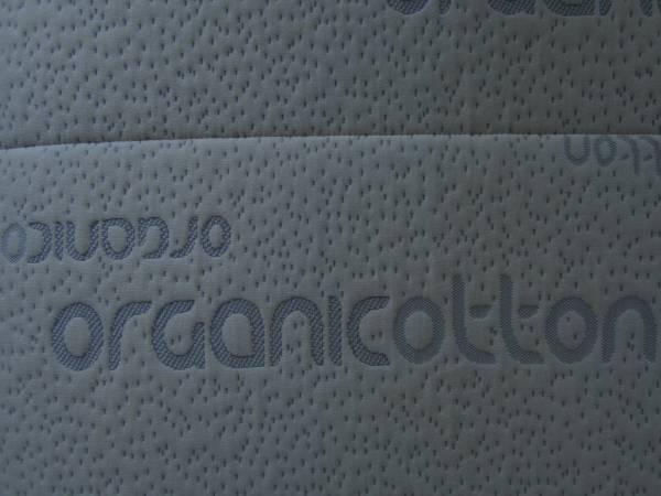 Photo XL TWIN SIZE 100Organic Latex Foam Mattress (Like New) - $160 (Eagle Point)