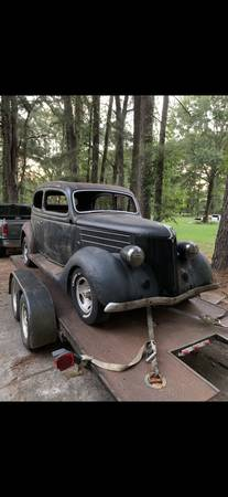 Photo 1936 Ford sedan body and chassis - $4,550 (Collierville)